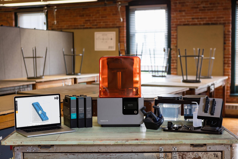 Bereiten Sie das Modell mit der Software des SLA-3D-Druckers auf den Druck vor.
