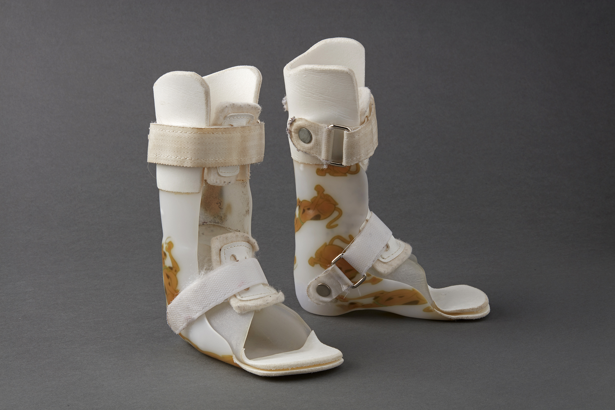 Orthoses on the market today are generally uncomfortable to wear and only high-end, expensive models offer a custom-fit. Custom devices can cost thousands of dollars and take weeks for patients to receive.