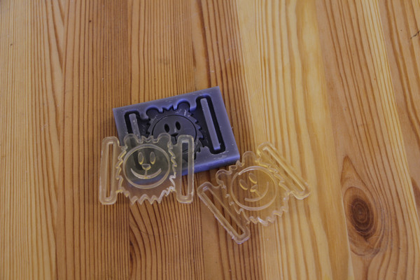Silicone mold and bravery metal