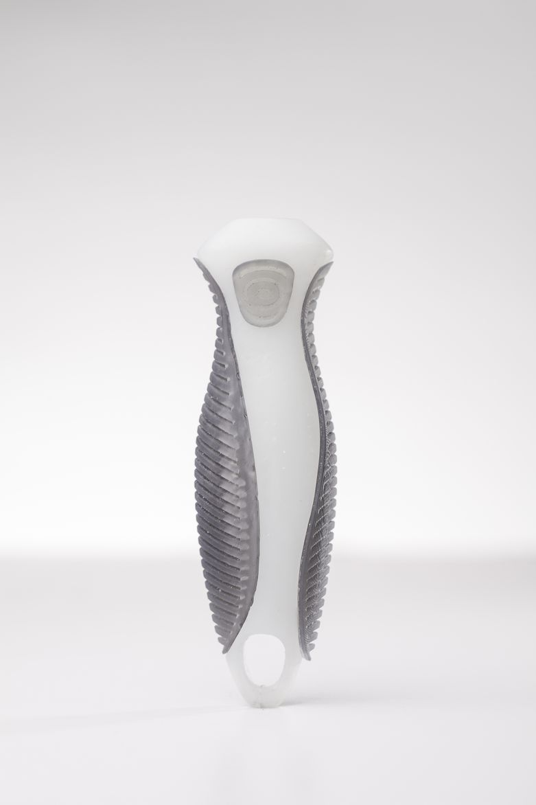 Ergonomic handle designed by PlusFab