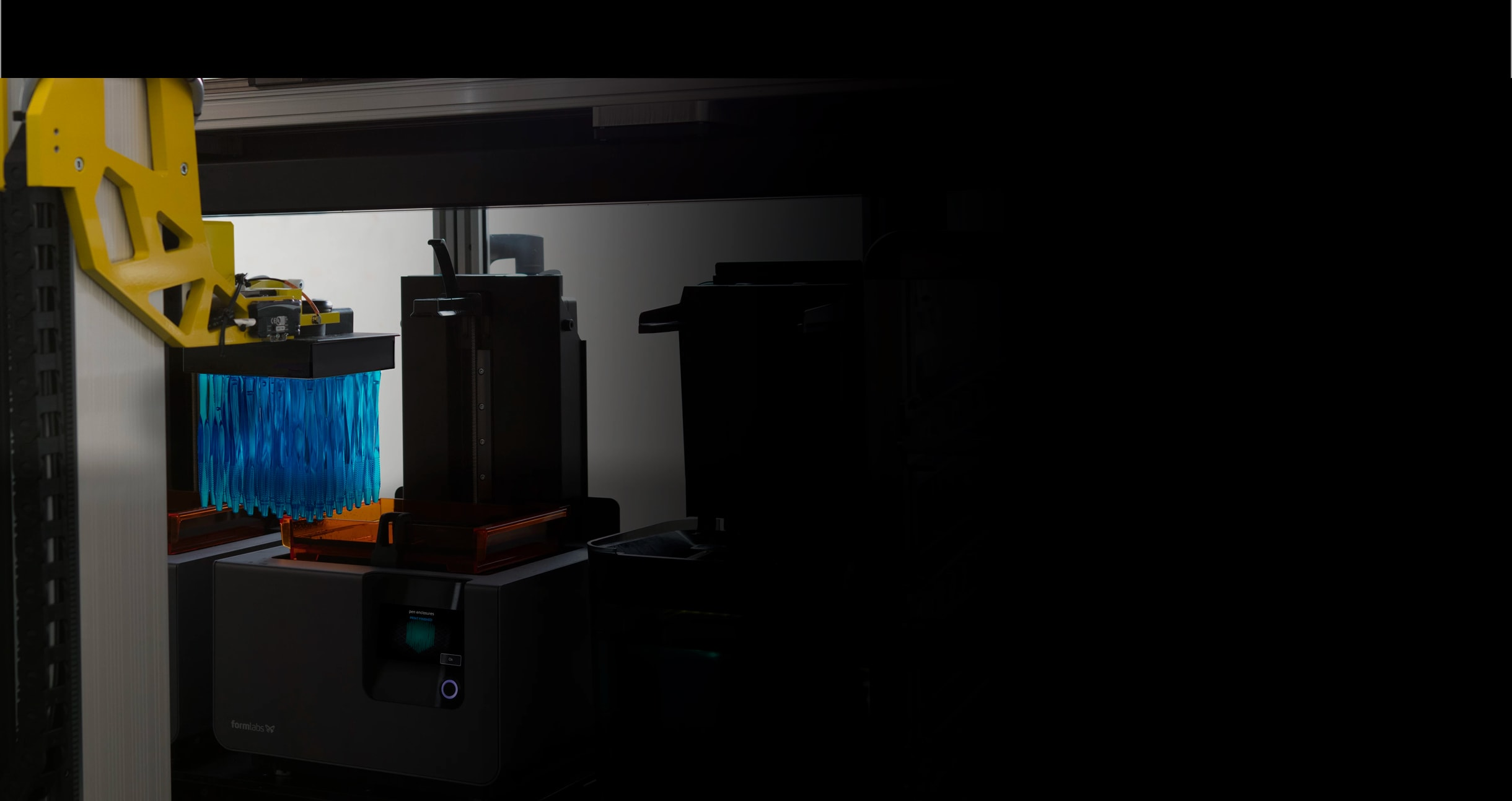 Formlabs automatisierte Fertigungslösung [Form Cell](/ch/3d-printers/form-cell/) parallelisiert 3D-Druck und Nachbearbeitung.
