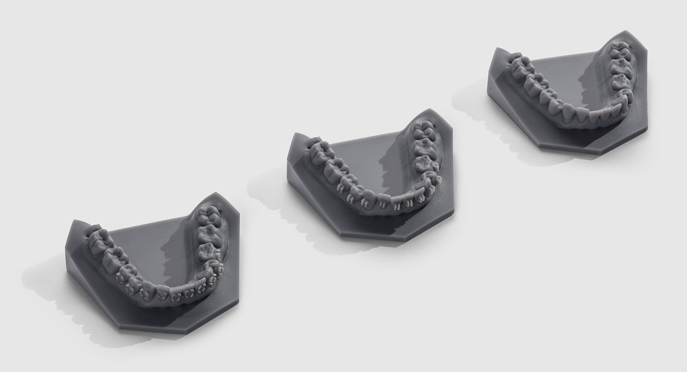 With its high precision and contrast, Grey v3 makes for beautiful and detailed dental models.