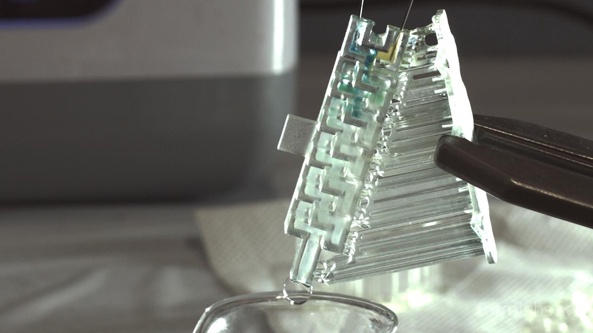 A 3D printed millifluidic device.