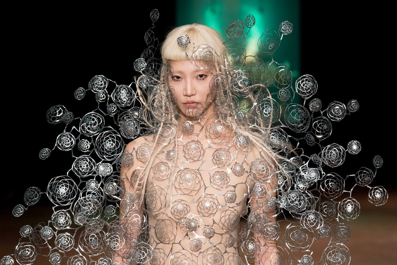 A piece from Philip Beesley's collaboration with Iris van Herpen on her Aeriform collection, premiered on the runway in Paris 2017.