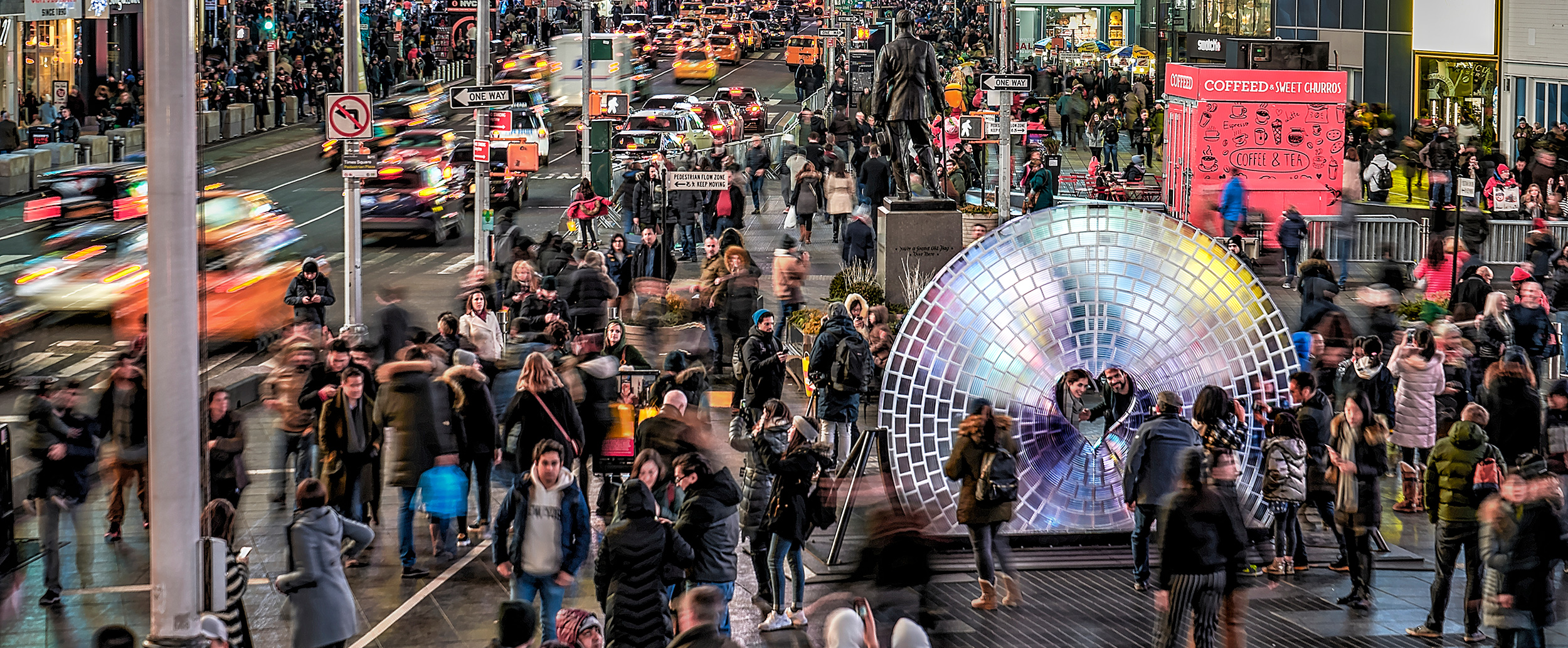 La lentille Window to the heart de Formlabs, imprimée en 3D, sur Time Square.