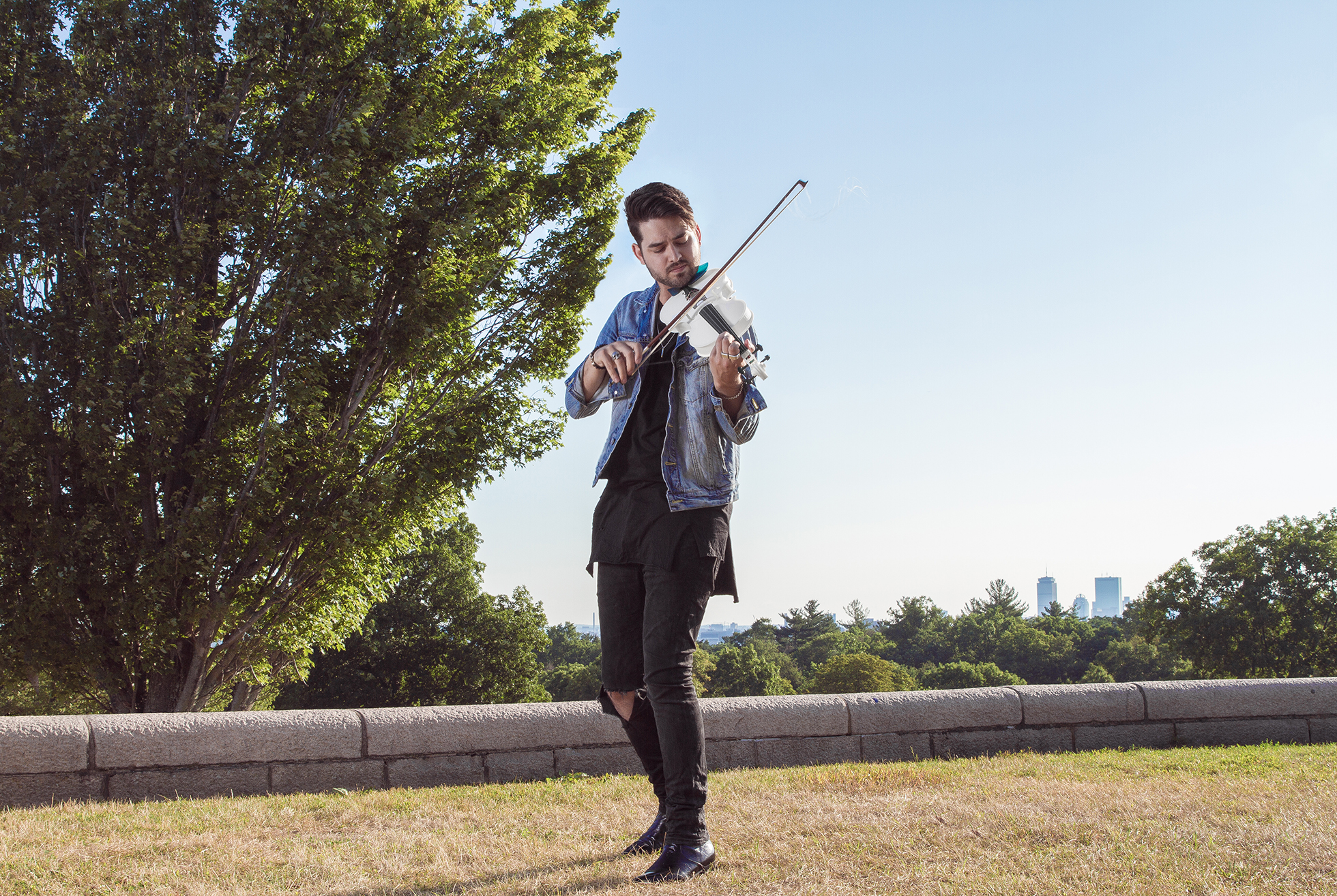 Rhett Price playing Formlabs' 3D-printed violin